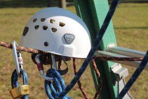Ropes course helmet